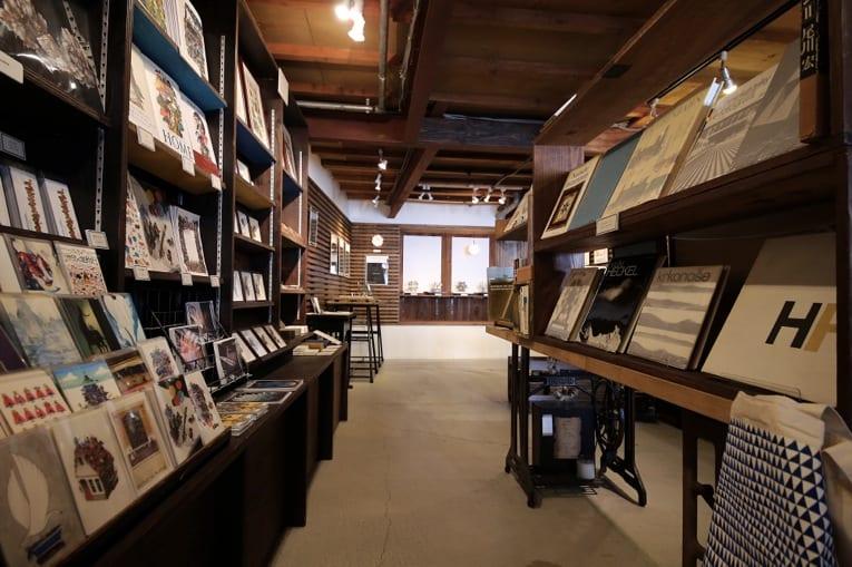hedgehog books and gallery ヘッジホッグ ブックス アンド ギャラリー